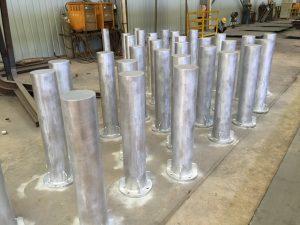 馬路防撞柱,道路警示立柱,熱浸鋅鋼柱,鐵器工程,五金冷貨,樓宇裝飾鐵器,地盤鐵器工程