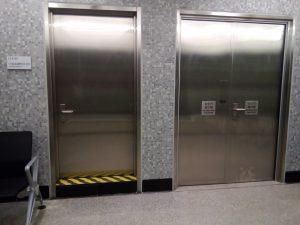 不鏽鋼配電房門-不鏽鋼百葉門-不鏽鋼走火通道門-不鏽鋼電房門-鋼閘門