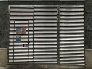 中電標準火牛房門帶證書-中電及港燈火牛房門-不鏽鋼閘門-中電標準牛房鐵器