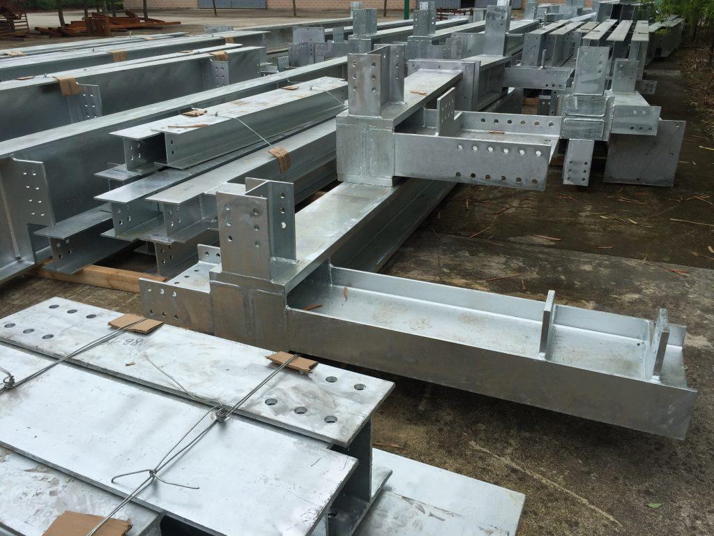 香港結構鋼材供應-建築鋼鐵工程-行人走廊鋼鐵工程-冷氣機鋼架-天面鋼架-鋼結構設備平台供應