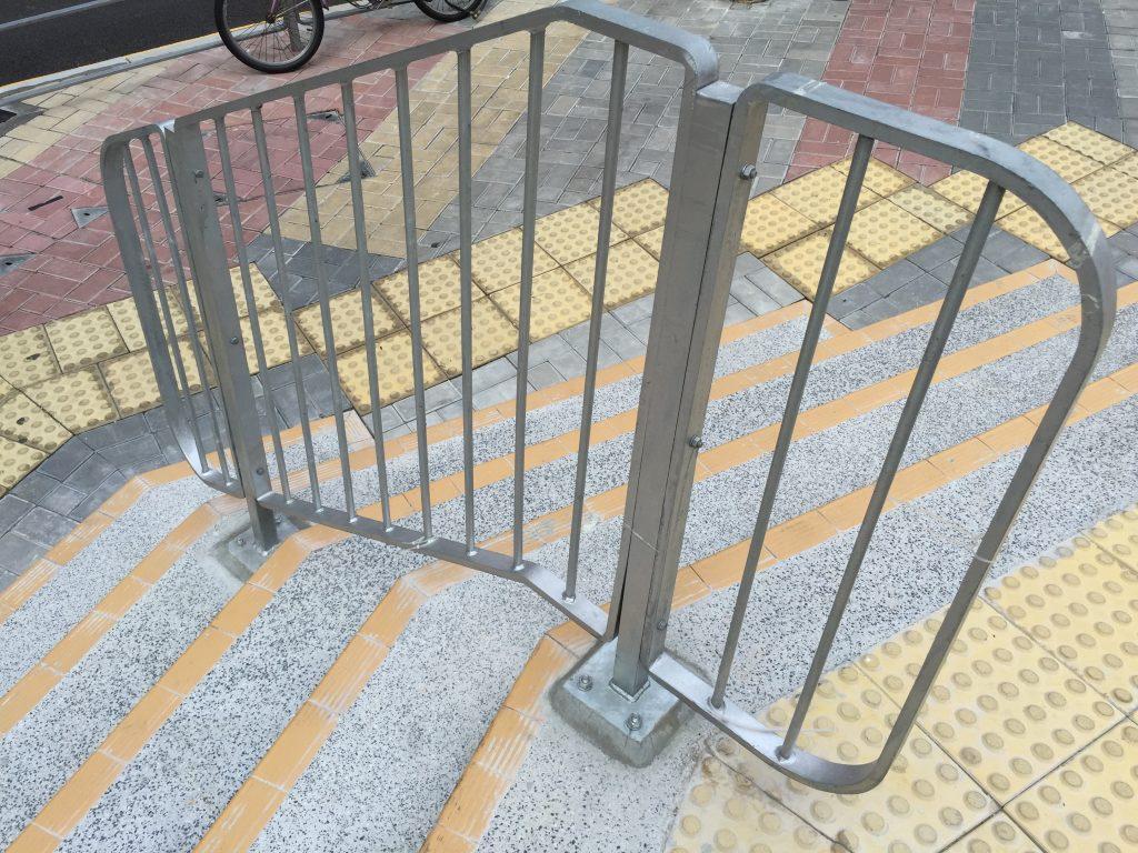 香港馬路欄杆-交通鐵馬欄杆-鐵器製品欄杆欄河-臨時欄杆欄河-供應及安裝欄杆欄河