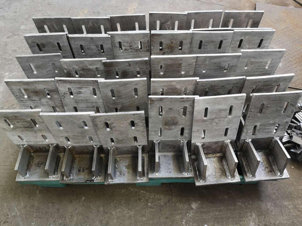 香港不鏽鋼幕墻角碼,不鏽鋼帶牙角碼,不鏽鋼帶牙墊片,幕墻五金件,幕墻不鏽鋼玻璃槽,幕墻不鏽鋼製品,幕墻不鏽鋼配件