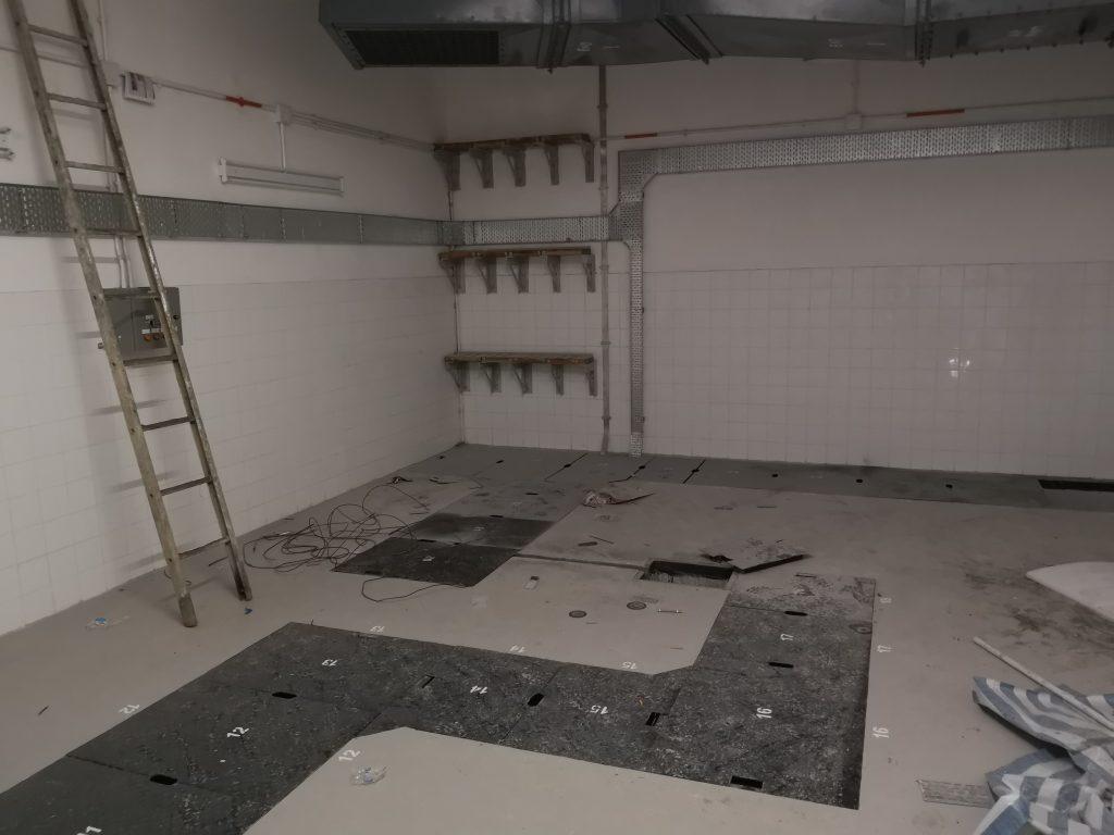 P583(CP4E)-T1A CLP Tx Room中電標準火牛房門,中電標準牛房坑板,電制房花紋鋼板,電纜線坑板,電纜線支架,中電標準防火百葉