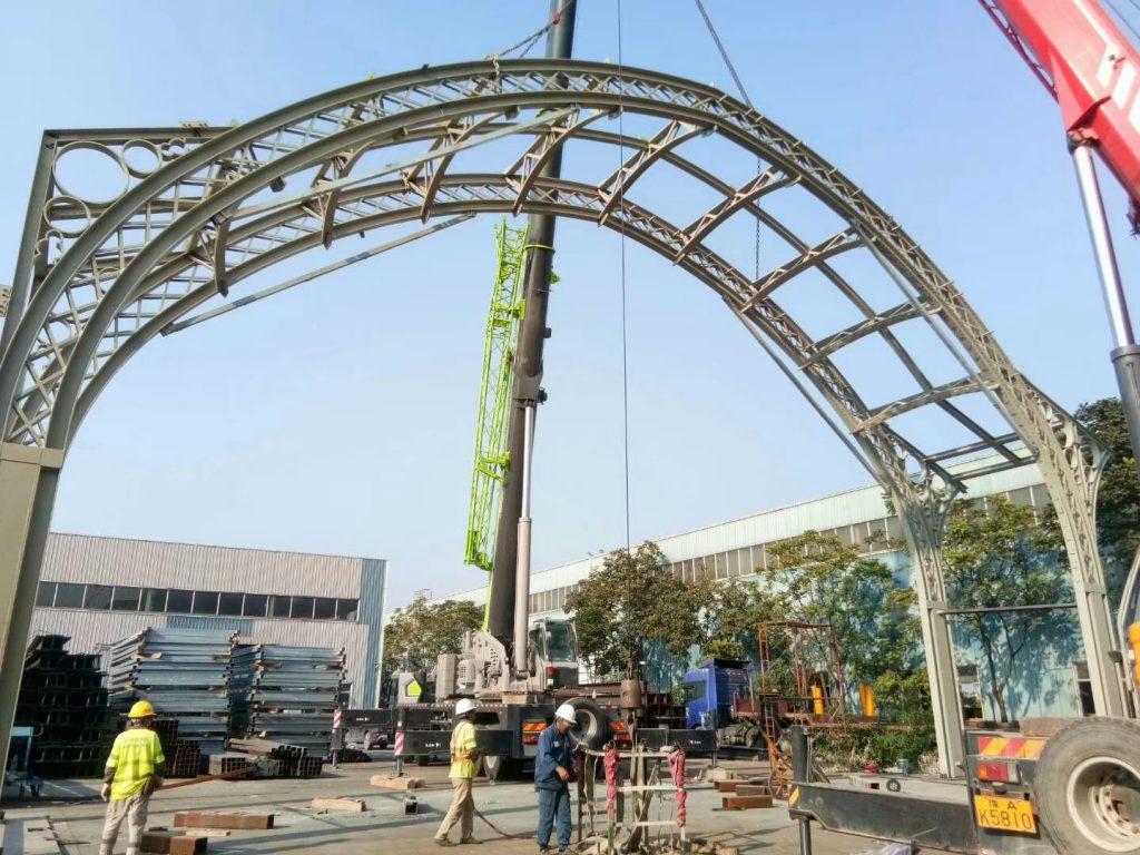 高難度鋼結構加工,異形鋼結構工程,異形鐵器工程,高難度鐵器製品,建築鋼鐵工程,鋼結構雨棚