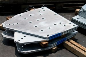 大角咀鋼板折彎,鋼板切割,鋼板打孔,鋼板鍍鋅,鋼管鋸床切割,槽鋼鋸床切割,H型鋼切割,型鋼型材拉彎服務