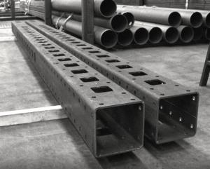 香港鋼鐵加工,鋼鐵製品,鐵器製品,鐵器加工,鋼板剪板,鋼板切割,鋸床切割,型材切割開孔,熱浸鋅及油漆塗裝