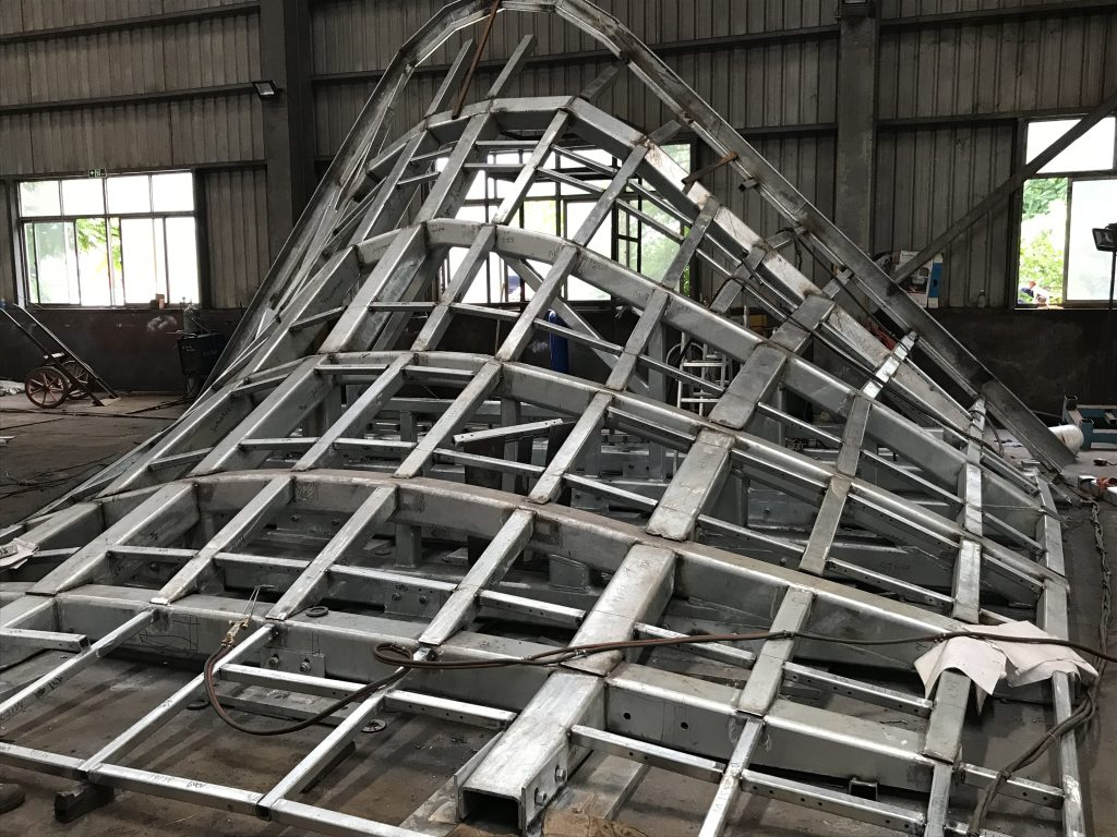 香港異形鋼結構加工,高難度鐵器工程加工,樓宇外墻裝飾鐵器工程,外墻鋼支架,石材掛件鋼架,鐵器框架工程