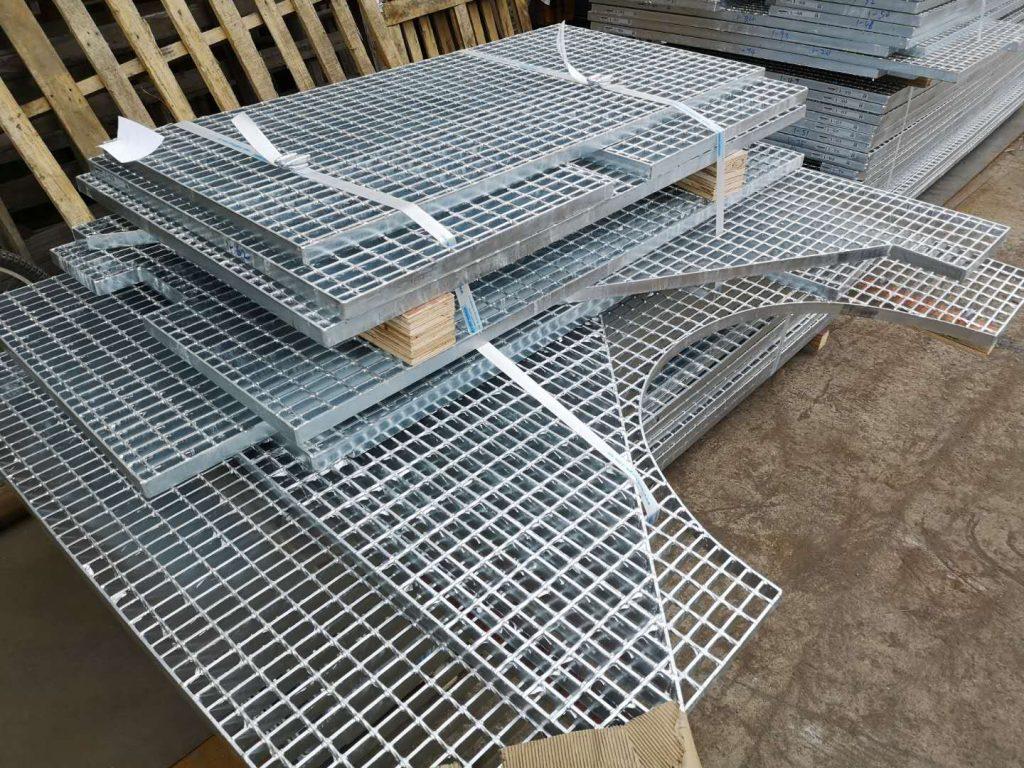 香港地鐵維修平台鋼格柵板,青衣電廠檢修平台格柵板,金屬格柵板,檢修平台格柵板,金屬格柵板,熱浸鋅處理格柵板