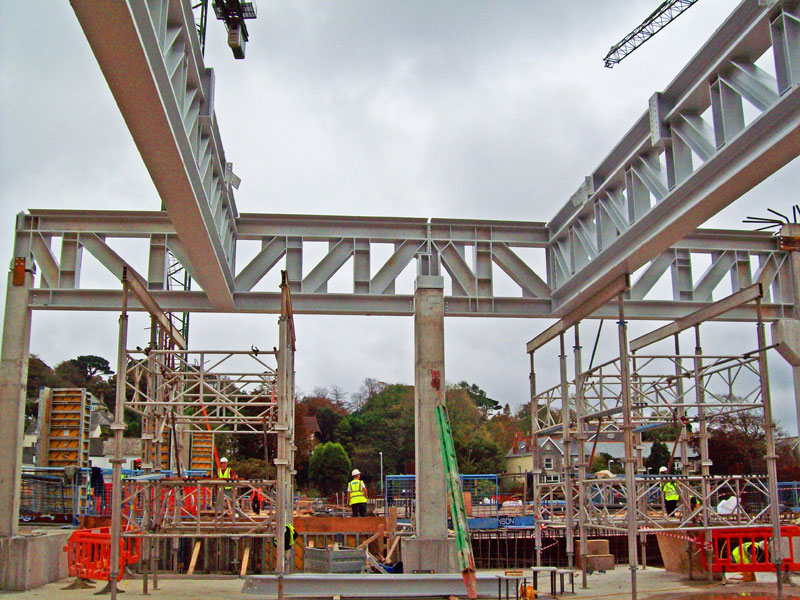 香港鋼鐵工程公司,鋼結構工程公司,鐵器工程公司,鋼結構加工廠,地盤鋼鐵製品,鐵器工程判頭