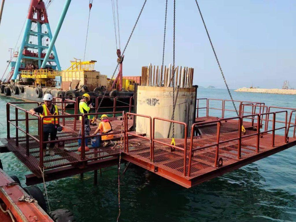 3303合約海上樁柱鋼結構平台,AGL樁柱臨時鋼結構平台,海上鋼結構棧橋,海上鋼結構安裝